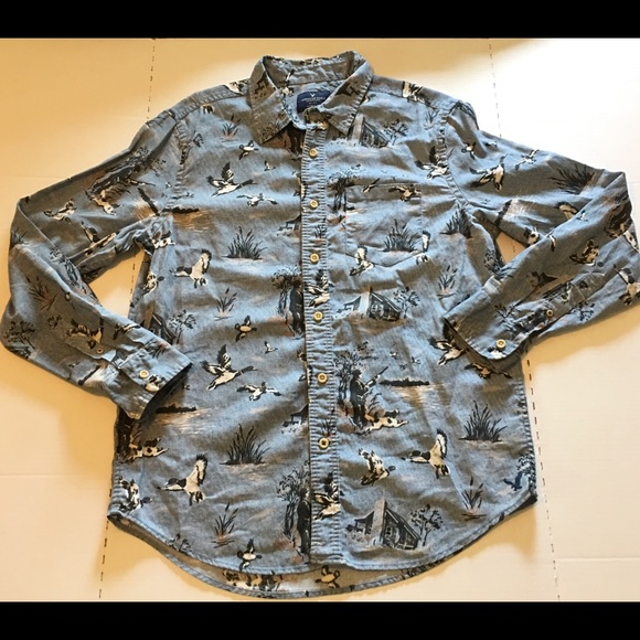 69fa5e2bf0533 American Eagle Outfitters Other - Mens Blue Button Down Shirt Hunting Print  Sz Large